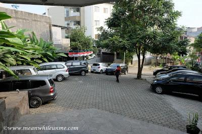 Hotel Review: Lokasi Parkir Hotel Amira, Bandung