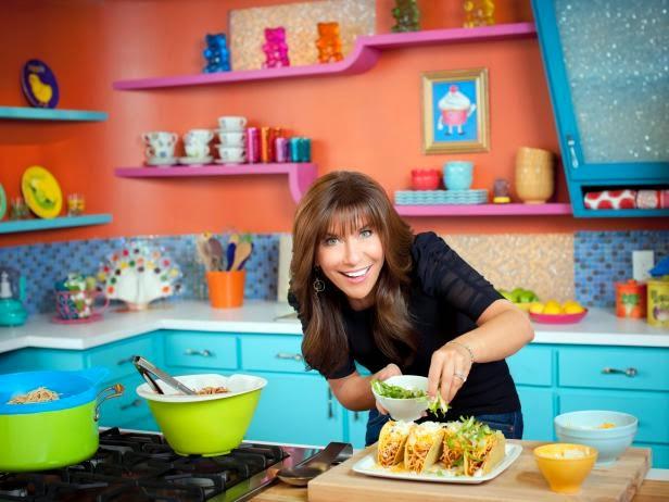 Vê os episódios do programa Hungry Girl online