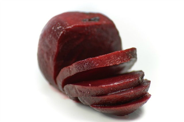 3 Reasons to Feed your Dog Red Beets