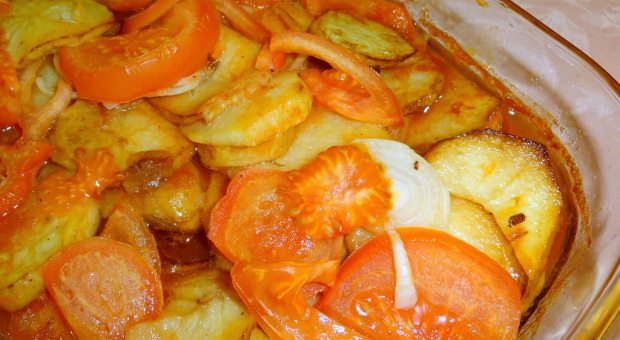 Kafta with Potatoes in a Baking Tray