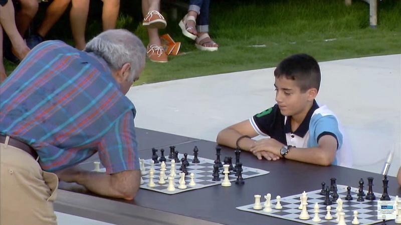 Τον θρύλο του σκακιού Γκάρι Κασπάροφ αντιμετώπισε ο 12χρονος σκακιστής του Εθνικού Αλεξανδρούπολης Βαλέριος Νάσσος