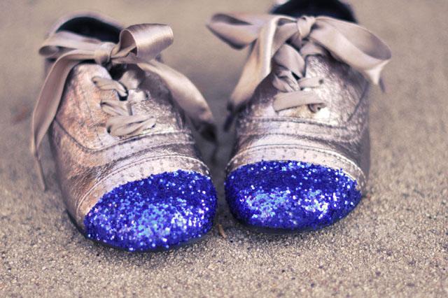 DIY cap toe glitter shoes, kids shoe diys