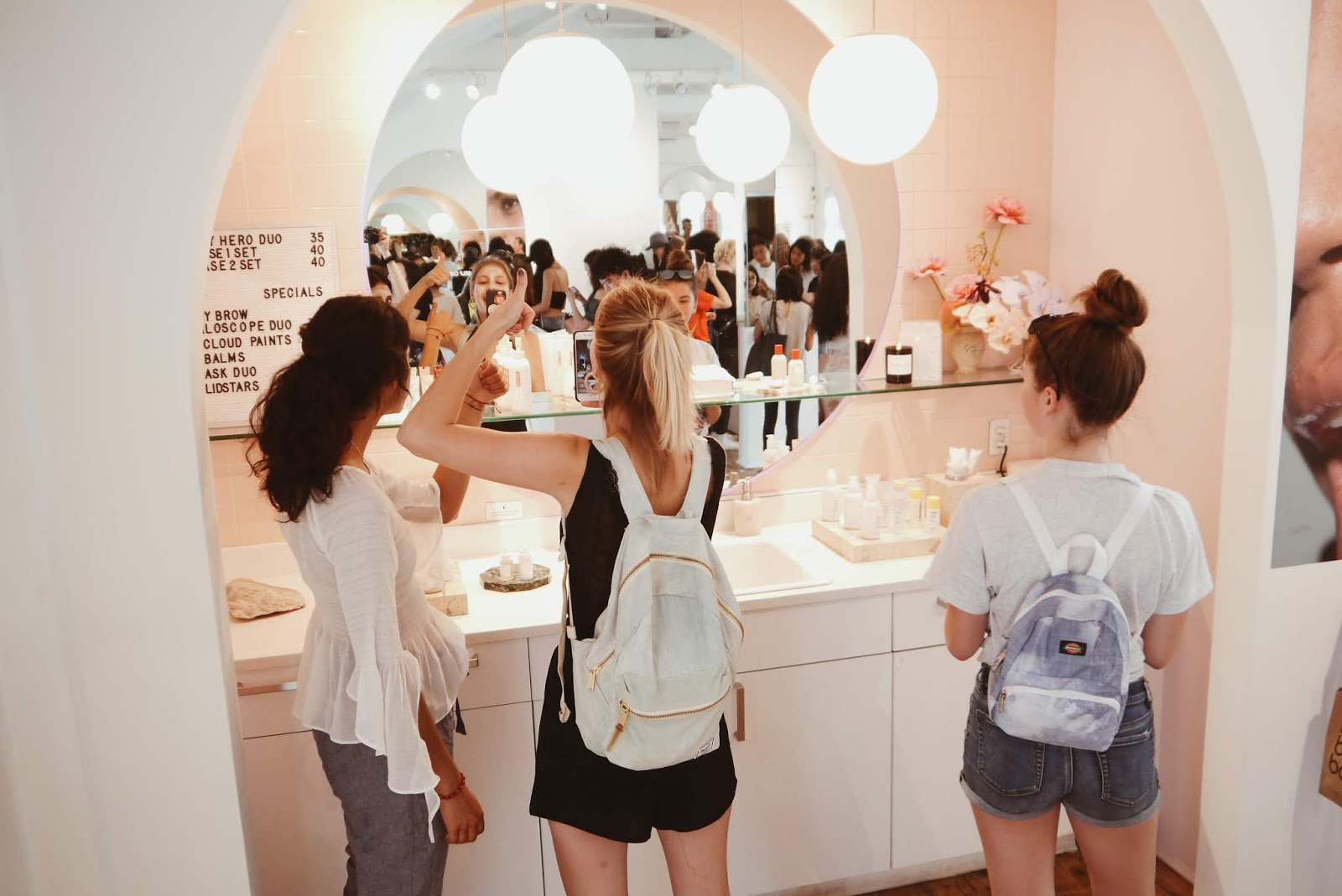 glossier showroom new york nyc noirette diary 6