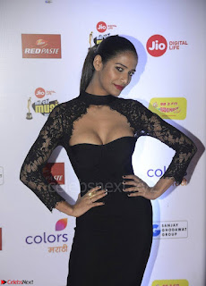 Poonam Pandey in Black TIght Fit Dress Spicy Pics 001.jpg