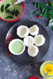 Steamed cups made from rice semolina