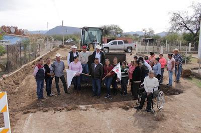 Dan banderazo a inicio de obra de pavimentación en la comunidad del Tabelo