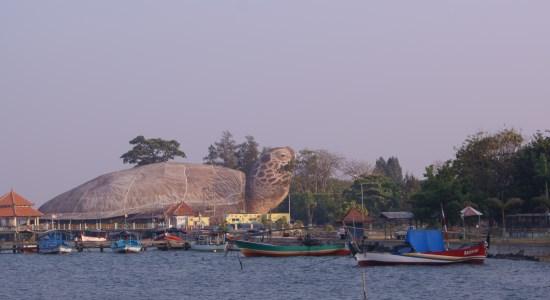 Pantai Kartini tempat wisata di jepara