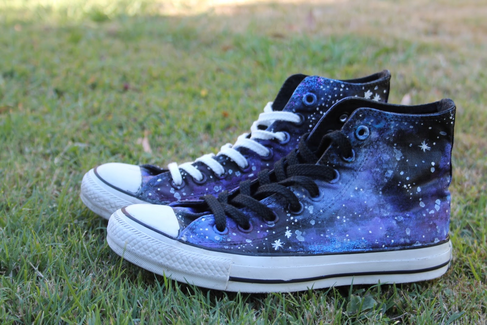 The Fashion Lookout Diy Galaxy Converse