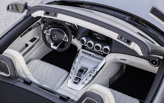 2016 Mercedes-AMG GT Roadster Cabin Interior Picture