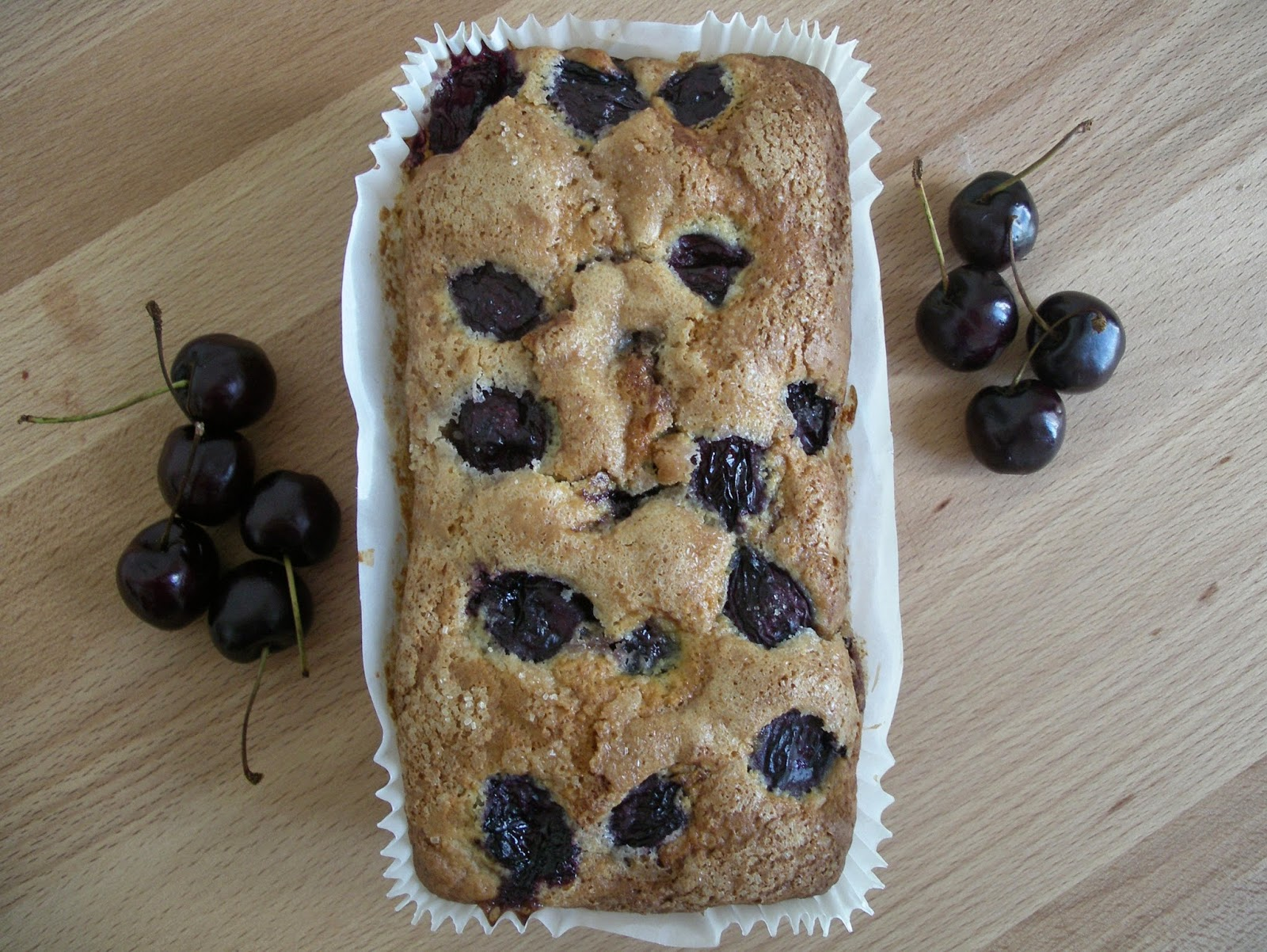 Cherry loaf cake with a lemon scent