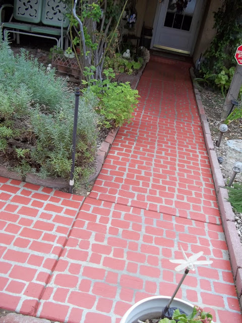 http://dragonflytreasure.blogspot.com/2014/07/faux-brick-walkway.html