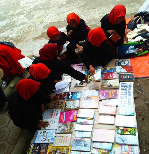 Perpustakaan Jalanan Sosialisasikan Budaya Literasi