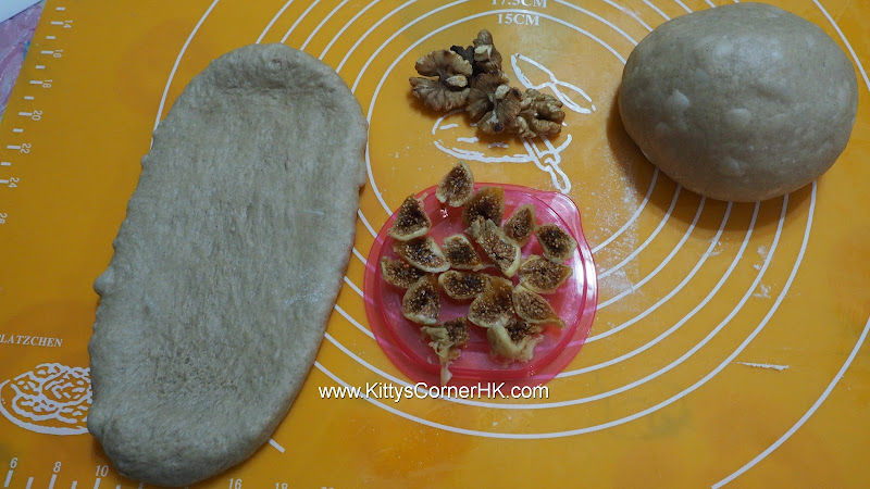 Dark Brown Sugar Dark Malt Bread with Fig and Walnut 黑糖黑麥芽無花果核桃包 自家烘焙 食譜 home baking recipes