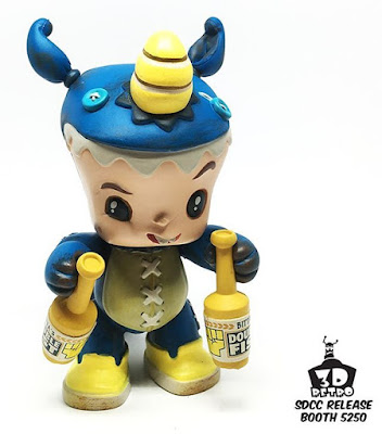 San Diego Comic-Con 2016 Exclusive Double Fisting Bitta Critta Vinyl Figure by Scott Tolleson x 3DRetro