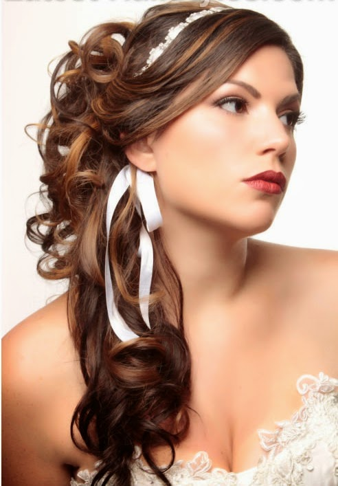 Romantic-Half-Up-Curly-Hairstyle-with-Ribbon