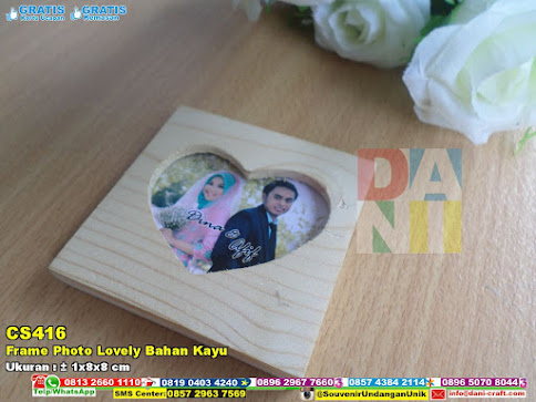 Frame Photo Lovely Bahan Kayu