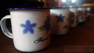 canequinhas em ágata brancas floridas