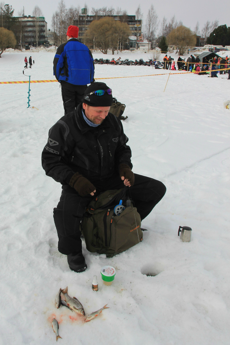 Lens and cover photography tornio ice fishing for Ice fishing 2017