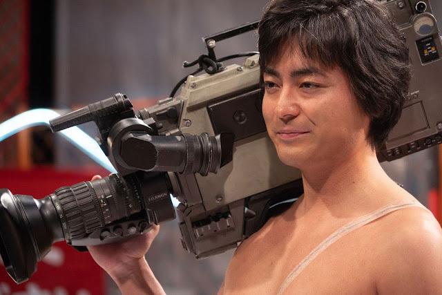 The Naked Director revient sur l'histoire d'un des roi de l'industrie porno japonaise. A voir avec plaisir sur Netflix.