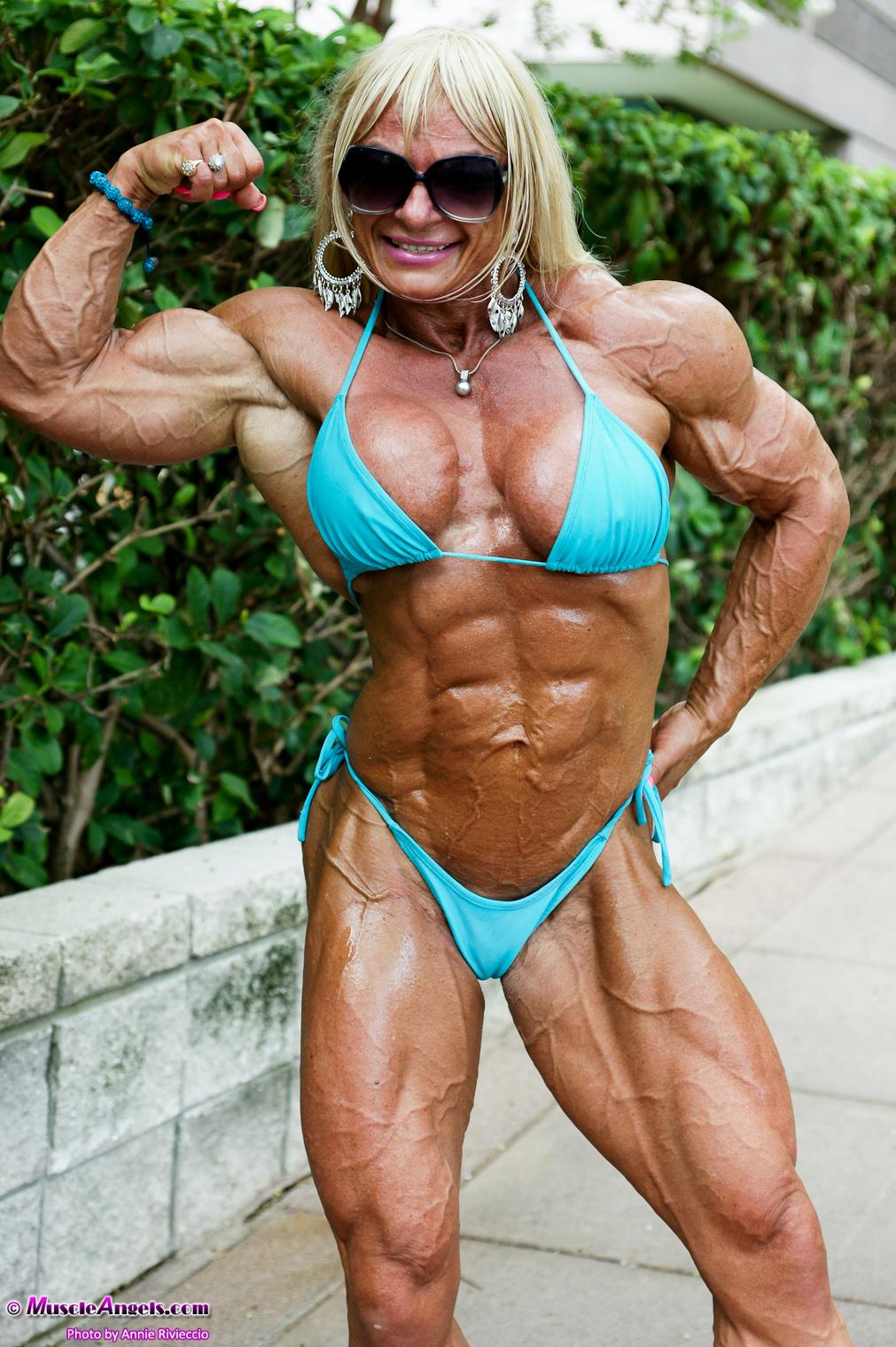 Female Bodybuilder Maryse Manios - Photo by Muscle Angels