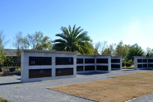 """Музей рабства """"Плантація Уітні"""" (Whitney Plantation, Wallace, LA)"""