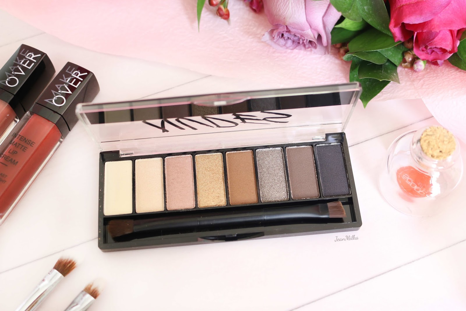 make over, make over indonesia, make over eyeshadow, make over eyeshadow palette, eyeshadow, eyeshadow palette, makeup, makeup indonesia, drugstore, make over eyecentric, make over nudes palette, make over smokey palette