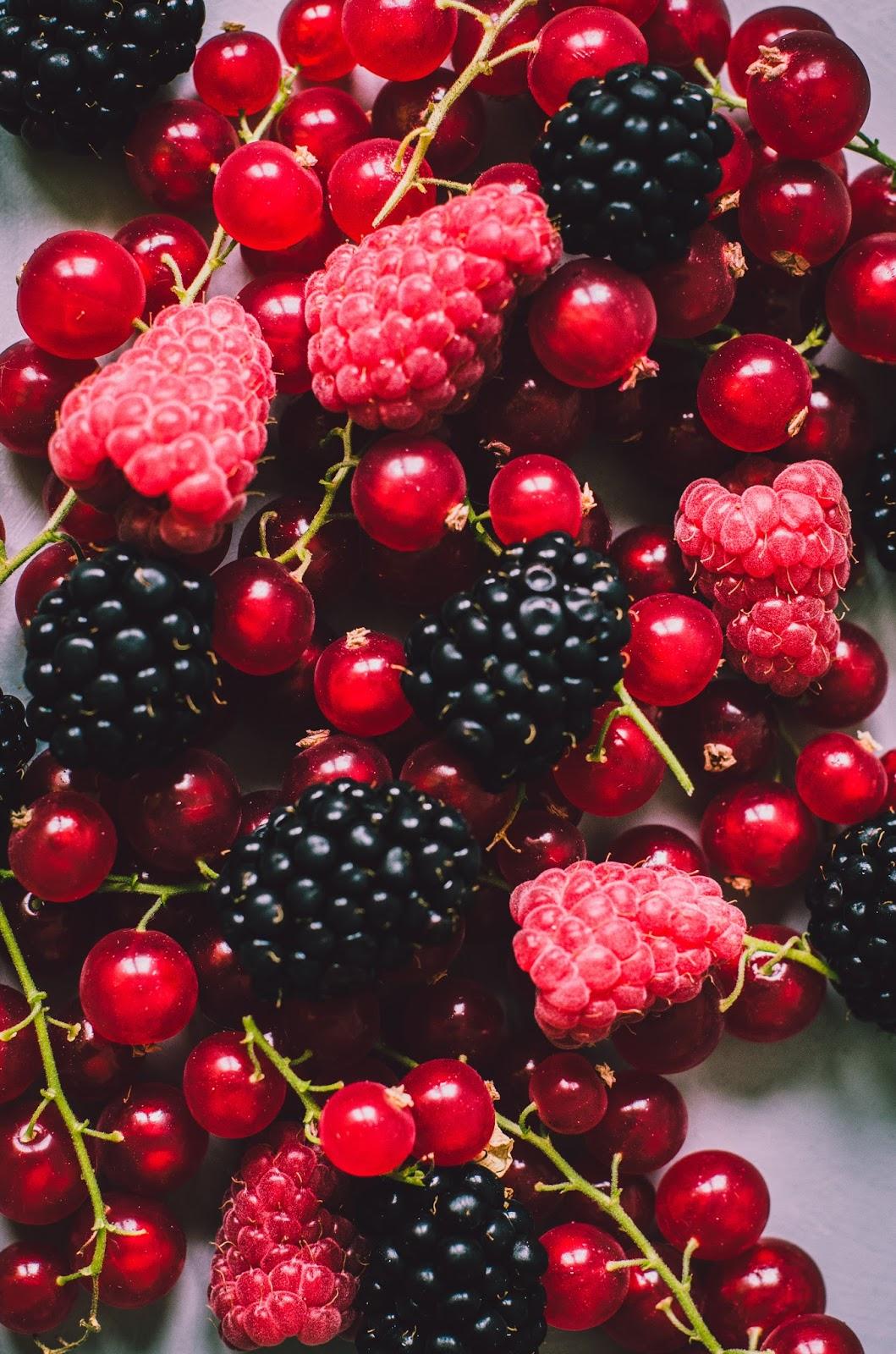 Nougat glacé aux fruits rouges (sans lait et rapide)