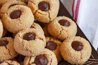 Ζαχαρωμένα μπισκότα με πραλίνα - by https://syntages-faghtwn.blogspot.gr