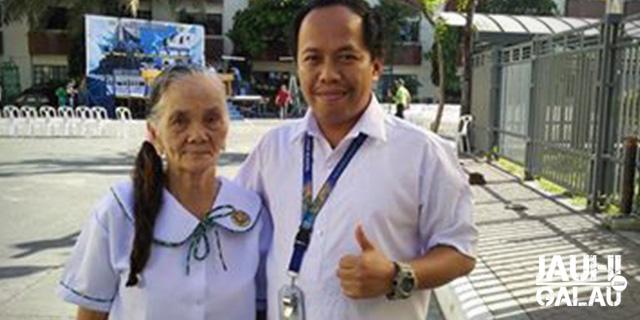 Nenek berumur 79 tahun baru masuk sma
