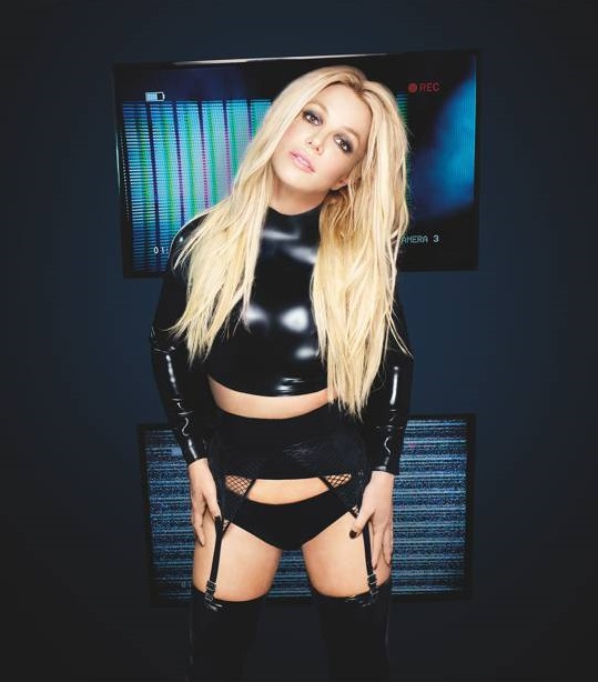 New Interview: Britney Spears Talks Beauty With British Vogue