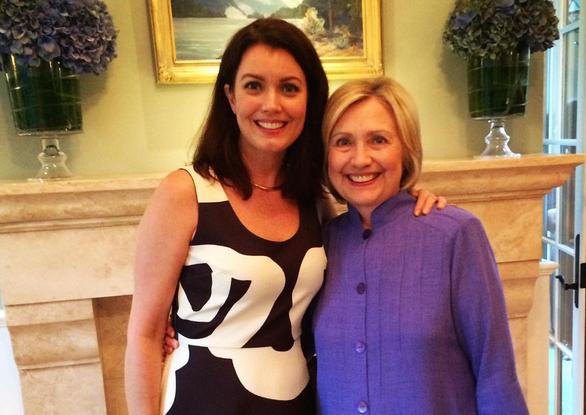 Bellamy Young y su fuente de inspiración, Hillary Clinton.