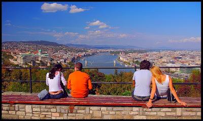 Outro mundo, Budapeste