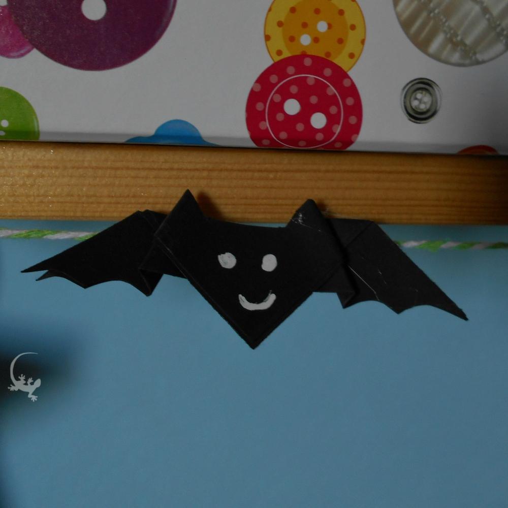 Halloween fai da te  come fare un pipistrello origami - L Ely curiosa 9162f2947e30
