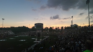 At SIU during a total solar eclipse, I saw a 360 degree sunset all around Saluki Stadium.