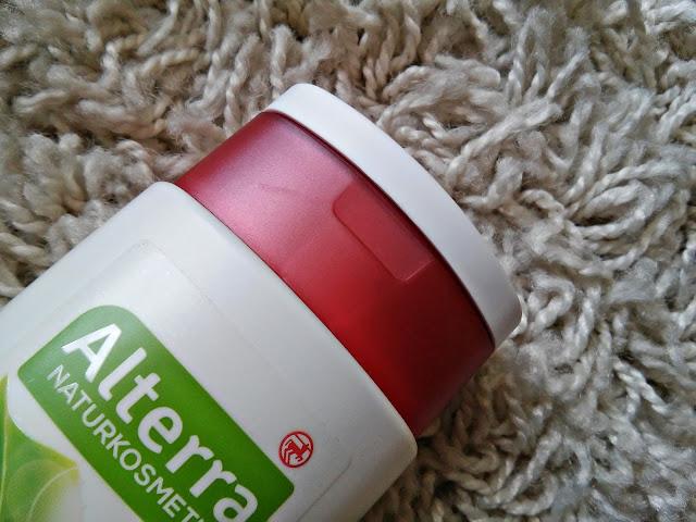 Alterra - Szampon nawilżający do włosów suchych i zniszczonych - Granat i aloes, kosmetyki wegańskie, zamknięcie opakowania