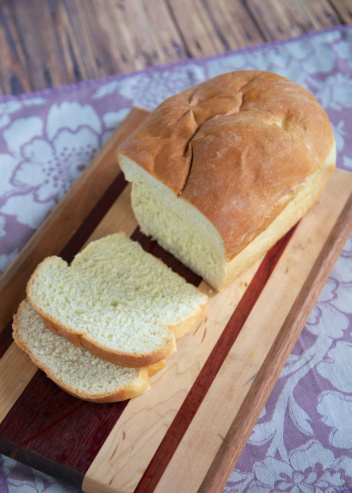 Amish White Bread - easy homemade bread recipe that tastes DELICIOUS!!! Recipe makes two loaves. Can eat one and freezer one for later. Water, sugar, yeast, salt, oil and flour. Ready to eat in about 2 hours!! #bread #homemadebread