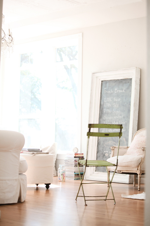 my scandinavian home: A dreamy white home packed with antiques