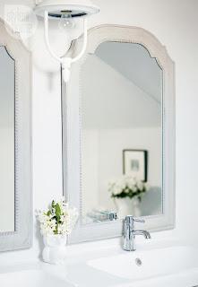 specchi con cornice immagine