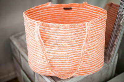 https://www.etsy.com/listing/509727383/large-orange-white-tote-plarn-crochet?ref=shop_home_active_16