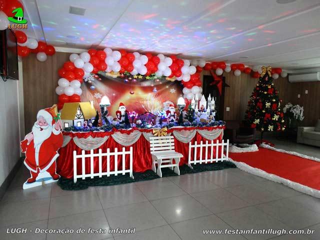 Mesa decorada tradicional luxo - Decoração festa de Natal com àrvore decorada