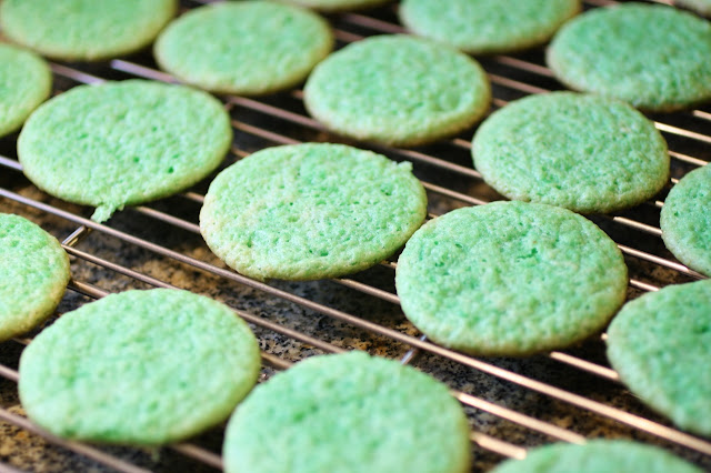 mint cookies cooling on a rack