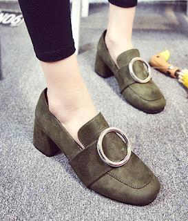 Model chunky loafers high heels untuk sepatu wanita berkaki besar
