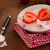 Receita de lanche proteico: batida de iogurte com whey protein e morangos