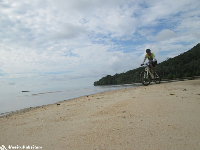 Pantai Legon Lele Karimunjawa