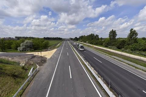 Június végén átadják az M4-es gyorsforgalmi út egy szakaszát Abony és Cegléd között