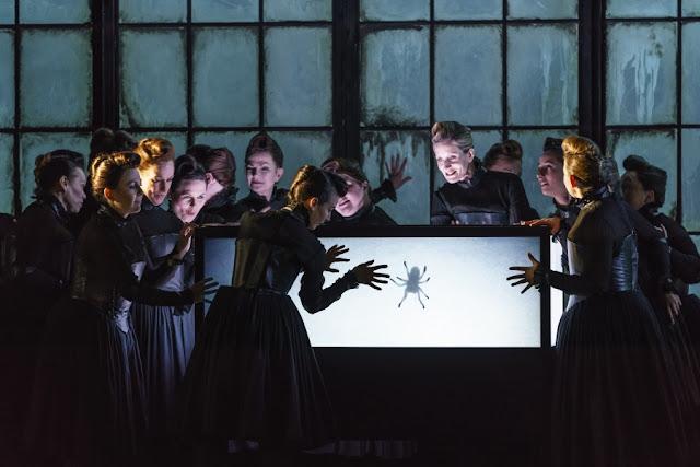 Donizetti: Roberto Devereux - Welsh National Opera (photo Bill Cooper)