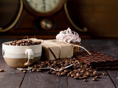 does chocolate have caffeine in it or not?