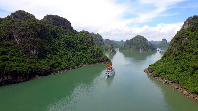 "Halong Bay is very beautiful in ""Youth"" film 1"