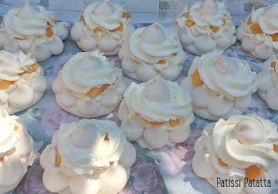 recette de pavlova, pavlova individuelle, pavlova mini, pavlova aux pêches, dessert mignon, dessert été, meringue, pêches, chantilly, peach pavlova, patissi-patatta