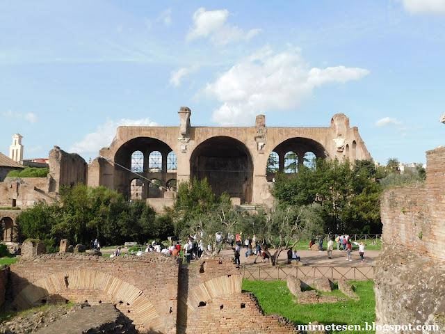 Римский Форум - Базилика Максенция